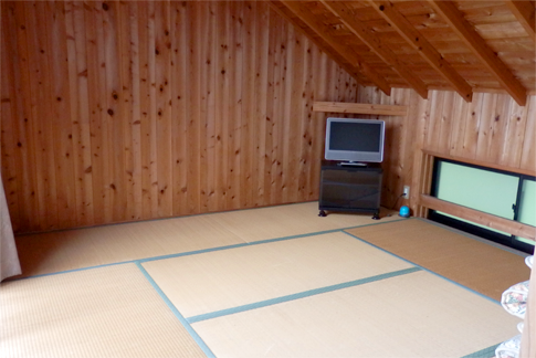 2F Japanese style room